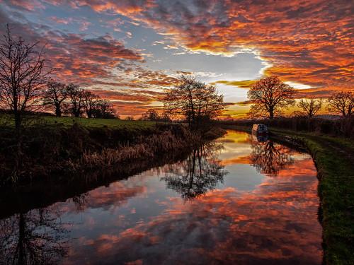 ianwright 2019 blip finwrightphotographycouk llangollencanal canal shropshireunioncanal water sunset sky drama reflection shropshire reflections orange ellesmere