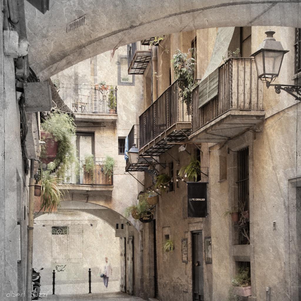 bBcn052:  Barcelona - Ciutat Vella - Sant Pere, Santa Caterina i La Ribera