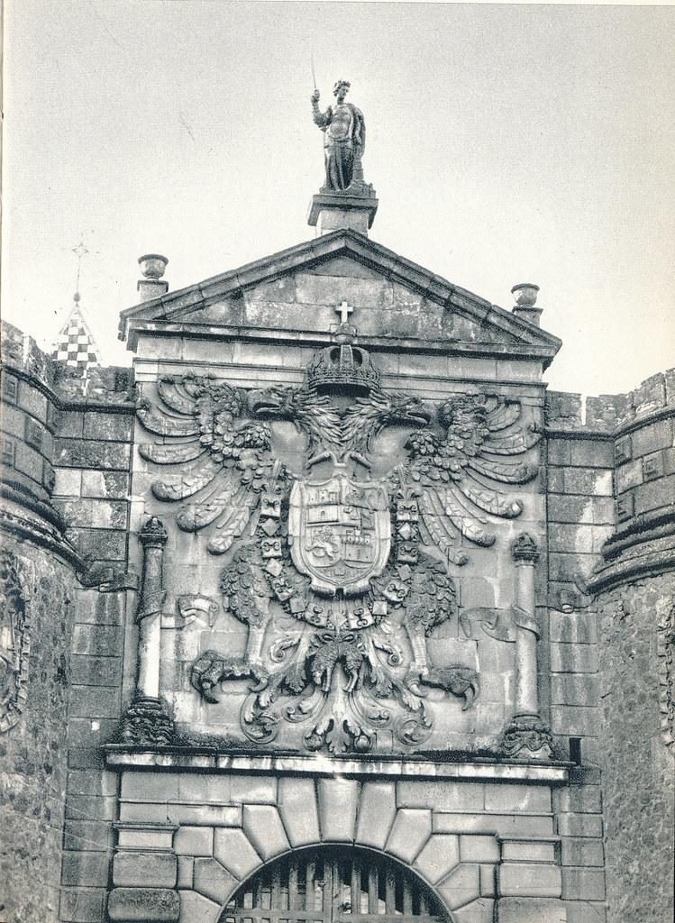 Puerta de Bisagra en Toledo hacia 1967 por Marc Flament