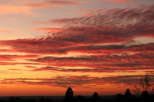sunset sky clouds evening winter red orange blue castlemound england cambridge cambridgeshire unitedkingdom uk canoneos750d