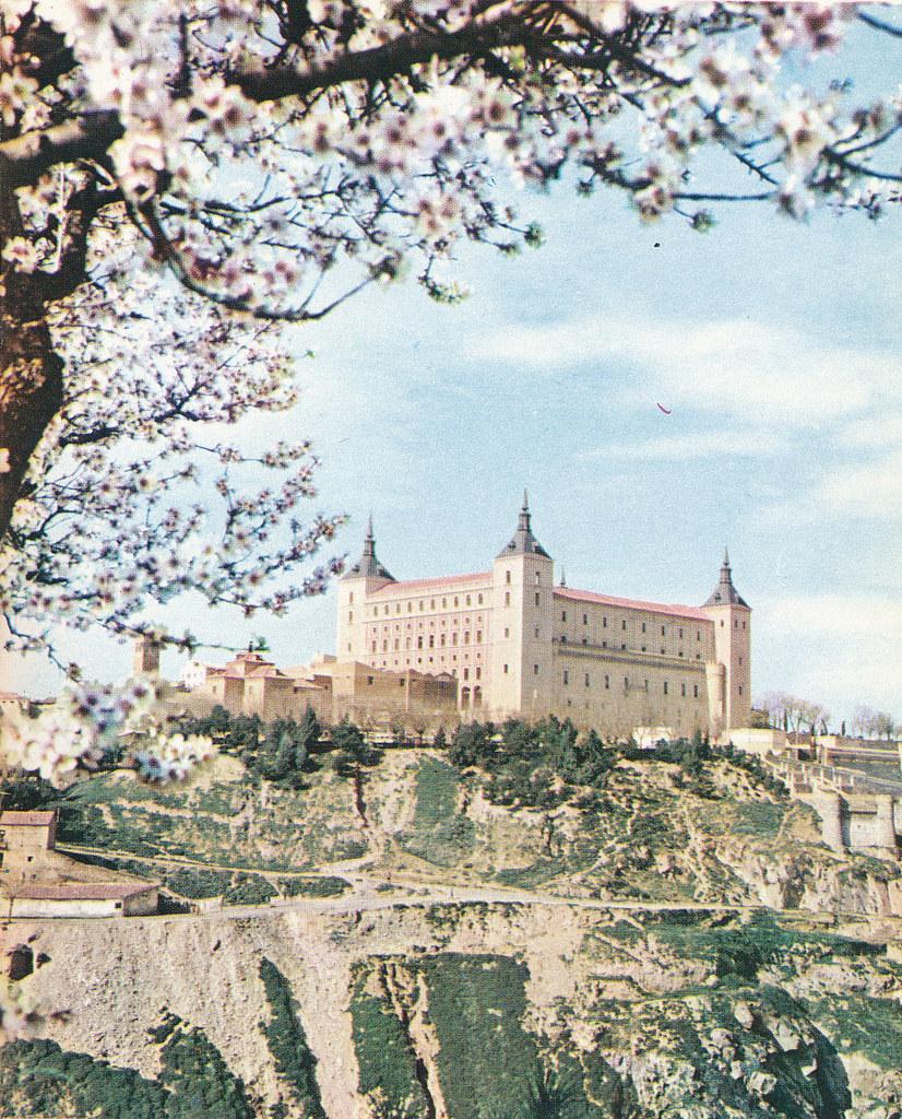 Almendro en flor en Toledo hacia 1967 por Marc Flament