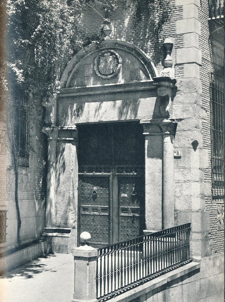Portada de la calle Trinidad en Toledo hacia 1967 por Marc Flament