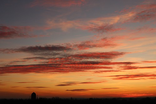 sunset cambridge england unitedkingdom uk evening sky blue red orange clouds cambridgeshire canoneos750d castlemound