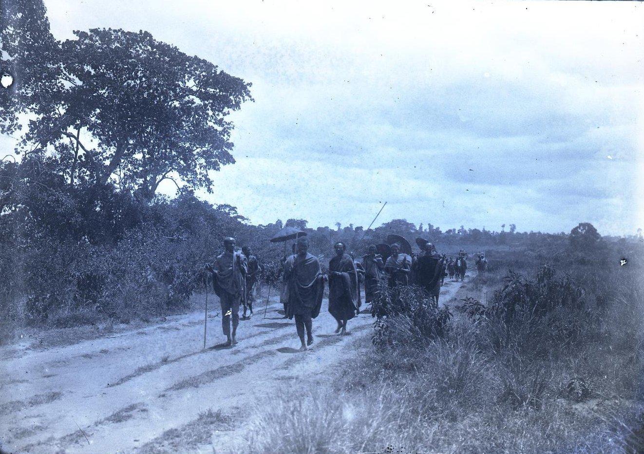 515. Дорога на базар близ Дельбо
