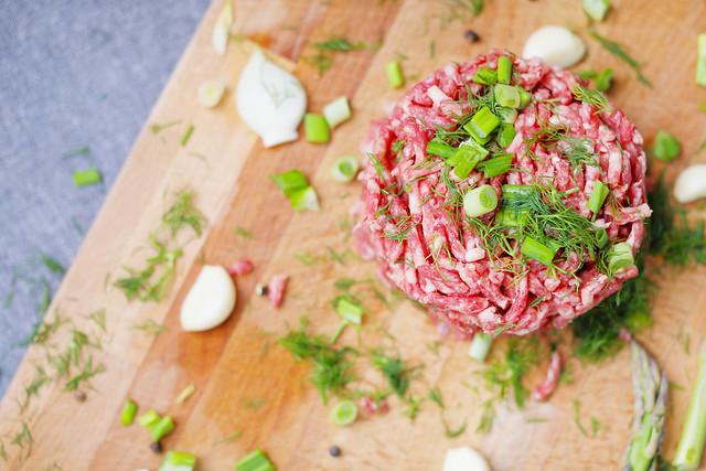 Steak tartare with green chopped onion