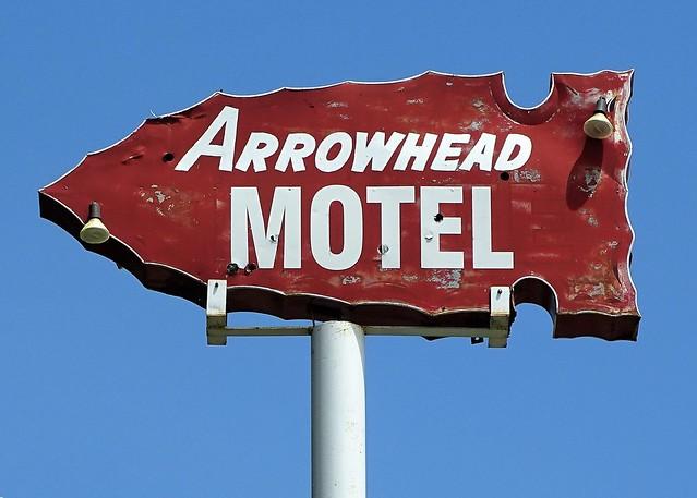 NE, Thedford-U.S. 83 Arrowhead Motel Ghost Neon Sign
