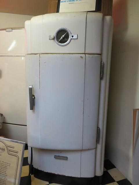 Crosley Shelvador Refrigerator and Radio 507 - 1937+