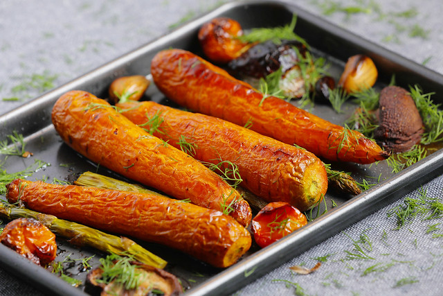 Baked carrots in a pan