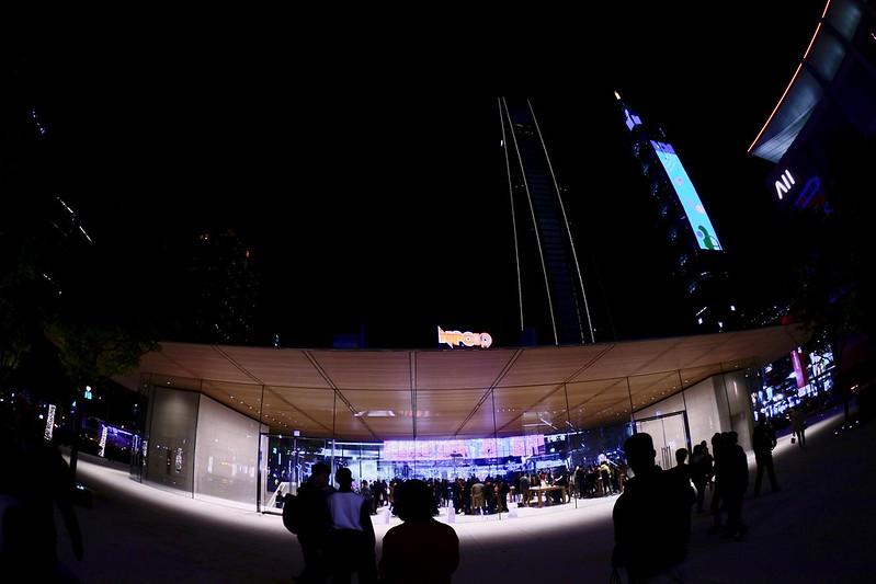 台北信義商圈 Apple store