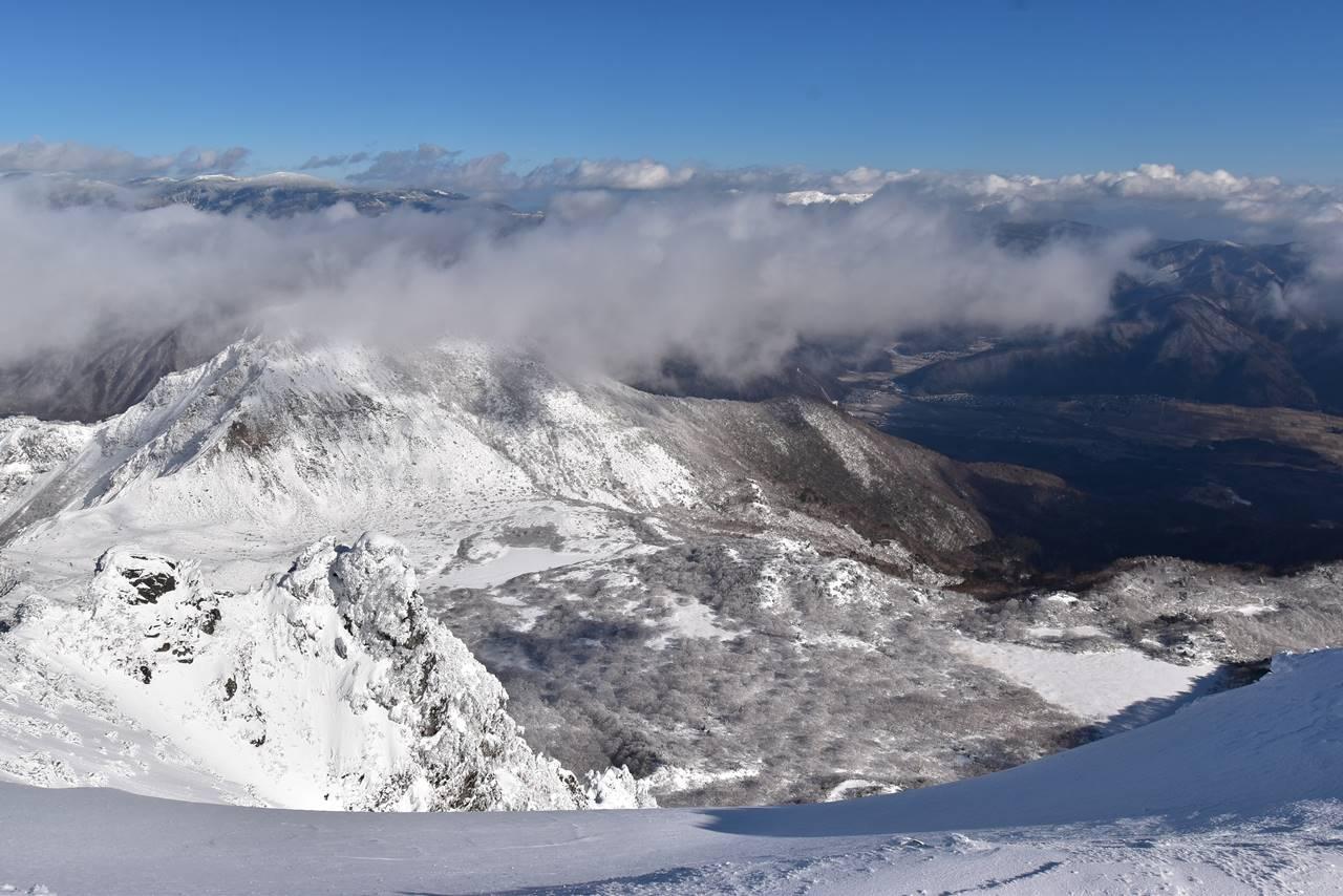冬の磐梯山から眺める雲海風景