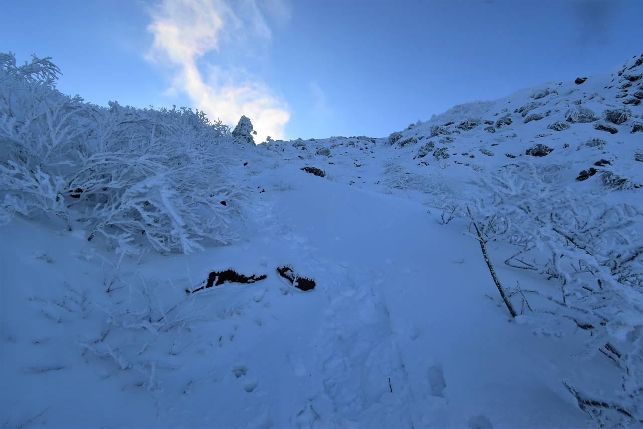 冬の磐梯山登山