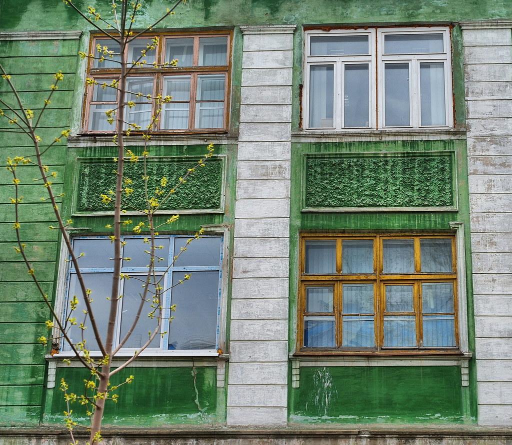 Четыре окна
