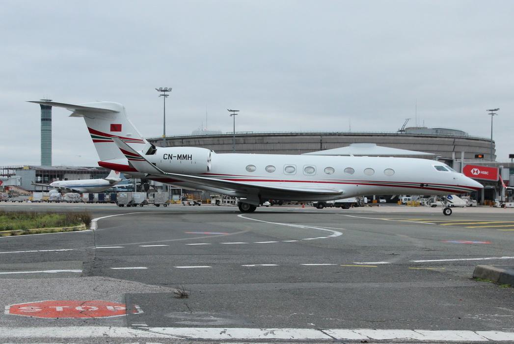 FRA: Avions VIP, Liaison & ECM - Page 24 49298279301_46609b4ce9_o_d