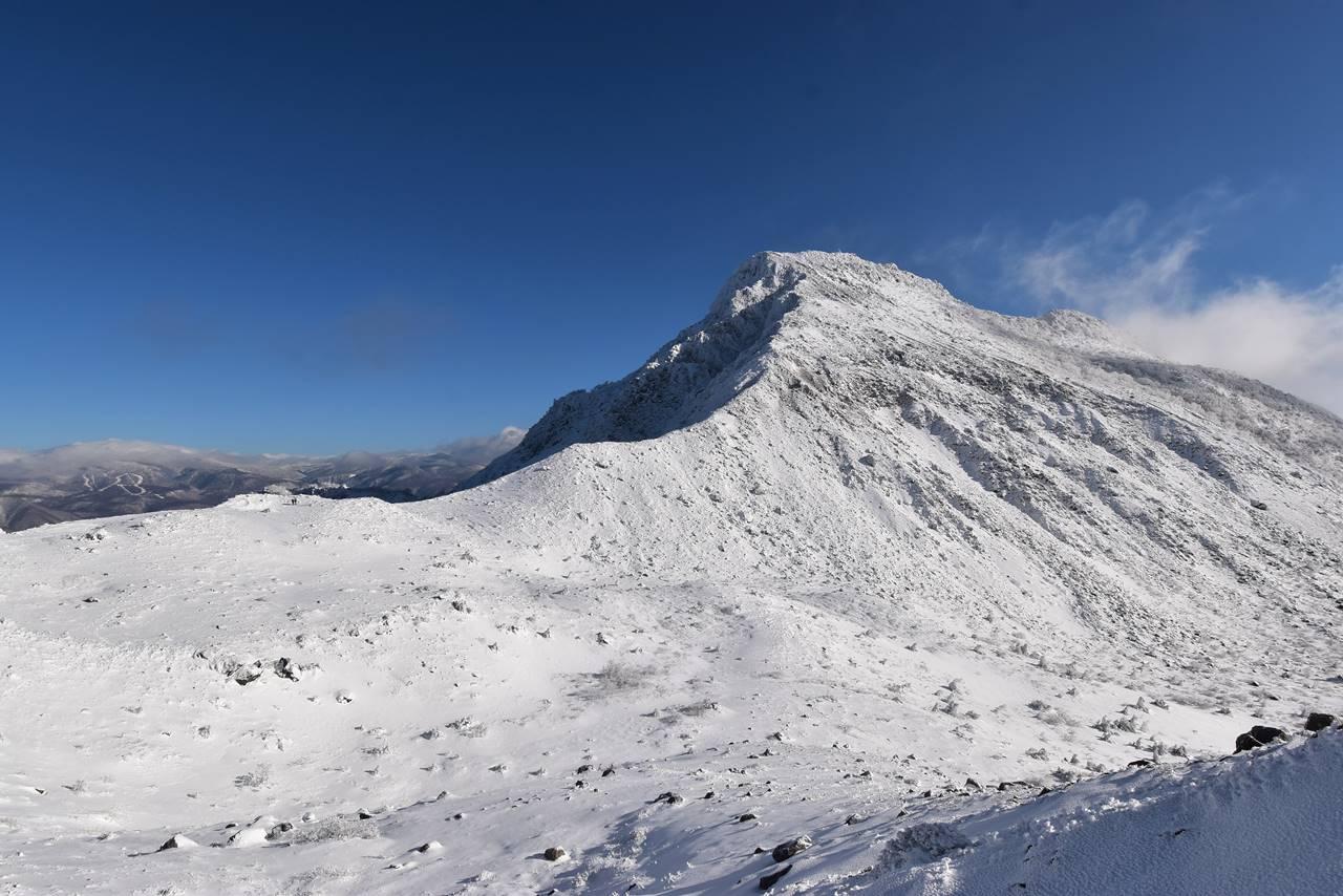 冬の磐梯山登山 雪化粧の櫛ヶ峰