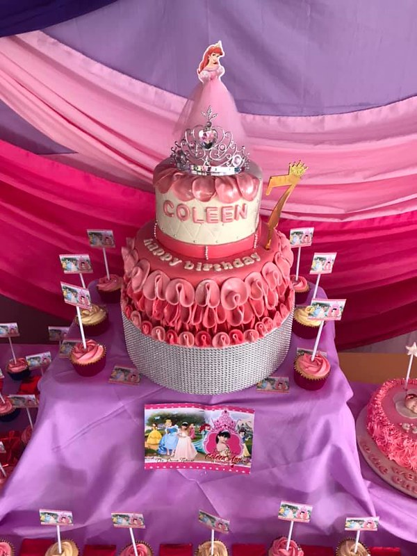 Cake by Aireese Creamy Creations