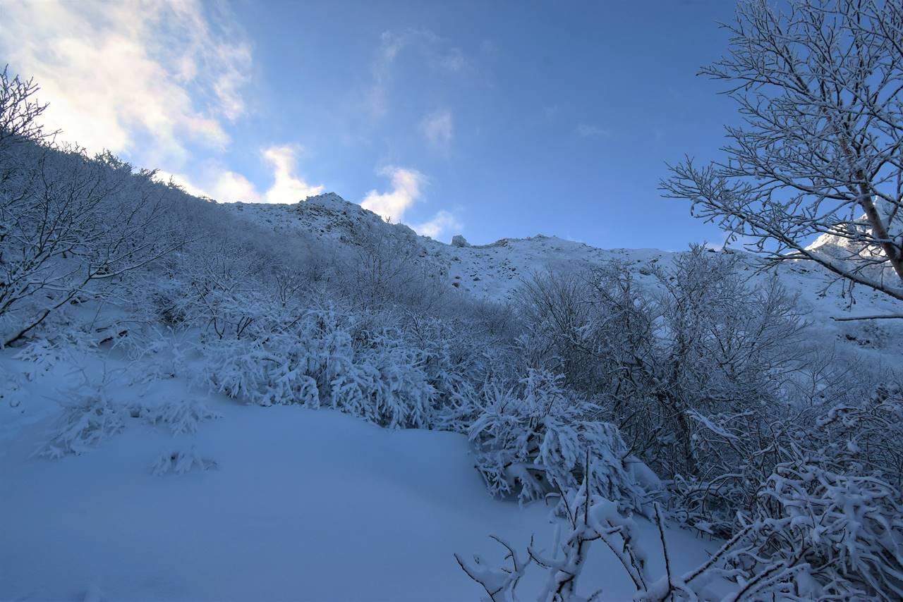磐梯山 雪の火口壁