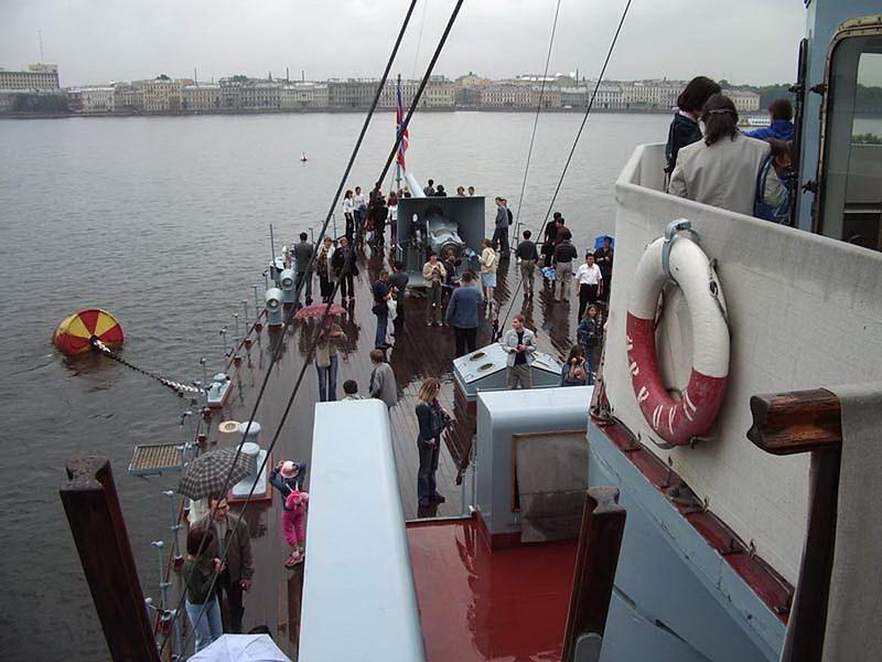 Cruiser Avrora 9