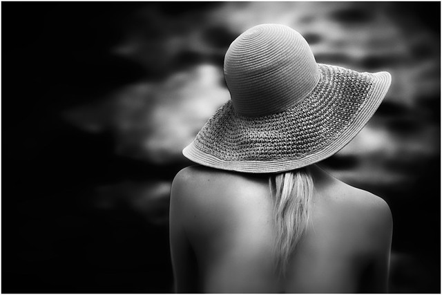 ...sempre lei _2016 summer hats collection on the beach 01