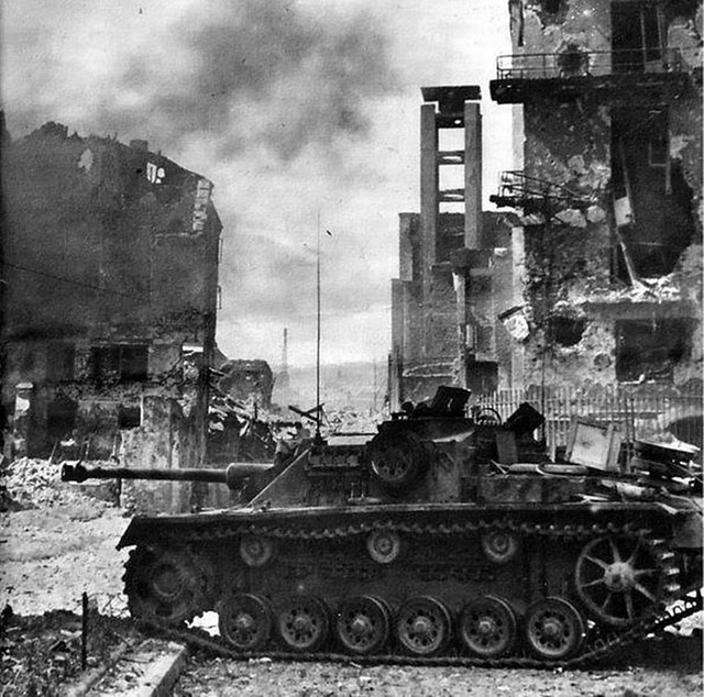derpanzergraf: A Stug. III Ausf. G participates in the crushing of the Warsaw Uprising in August 1944.