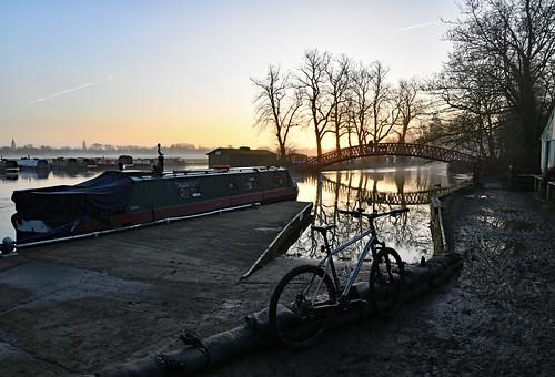 riverthames medleyfootbridge binsey thamestowpath sunrise winter nikond850 oxford