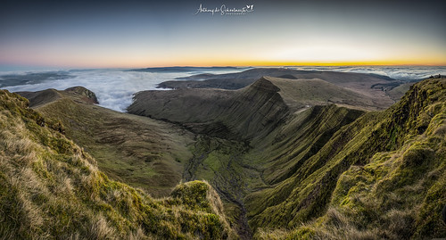 penyfan dragonsbreath sunrise wales mountains nikond500 nikonafs1680f284