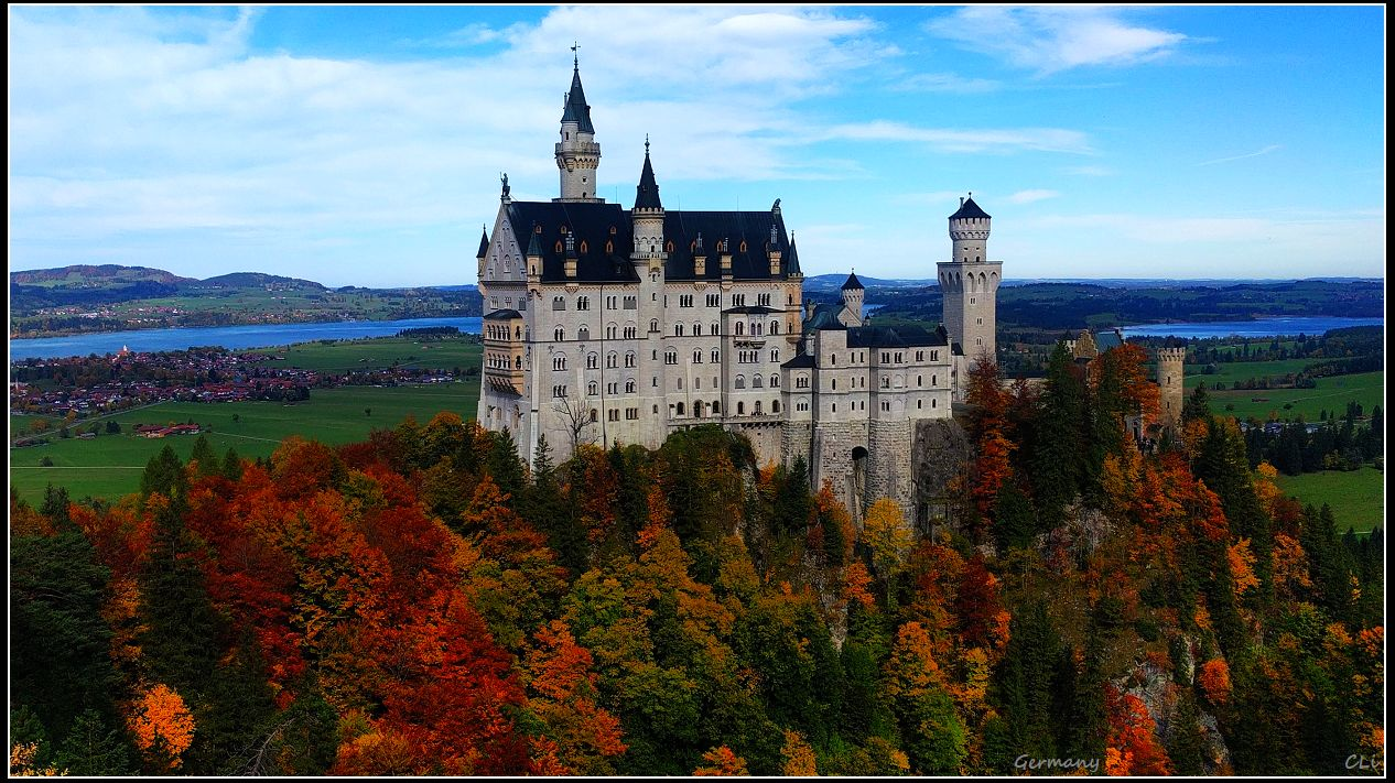 奥地利阿尔卑斯山秋天风光 宛如生活在画中