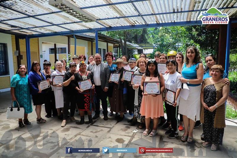 Pastora de Graneros reconocida como Mujer Destacada de la comuna