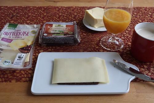 Butterkäse auf Westfälischem Pumpernickel
