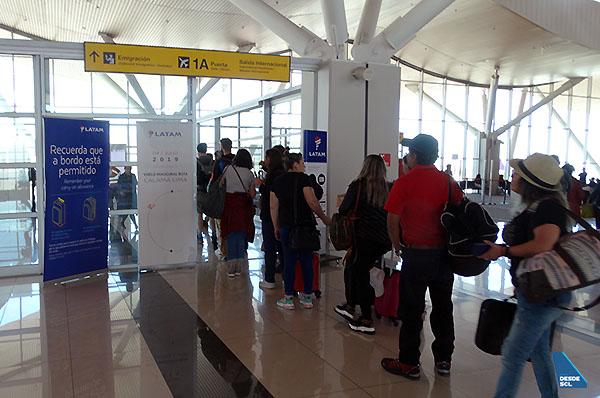 CJC migraciones internacional vuelo LATAM CJC-LIM (RD)