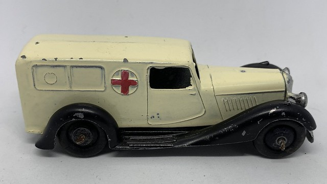 Dinky Toys - Number 30F - Bentley Ambulance - Miniature Diecast Metal Scale Model Emergency Services Vehicle
