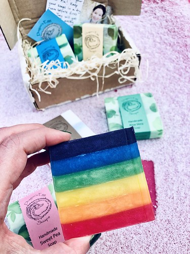 handmade, vegan, plastic-free soaps from dragon's egg soaps, december 2019 🌈💚