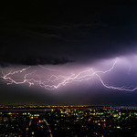 31. Detsember 2019 - 13:25 - My last post of 2019 is an extension from my previous image. This image is lightning over Hamilton, Ontario about 3 hours after the shelf cloud blew through Grand Bend. It put on a good show and the rain stayed off in the distance. Best case scenario.  . Check out my top shots of the decade following this link or the one in my profile: www.antonfalco.com/Blogs/MyTop10WeatherPicturesOfTheDecade