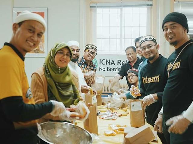 Inteam Edarkan Bantuan Makanan Kepada Gelandangan Di Kanada Pada Hari Krismas
