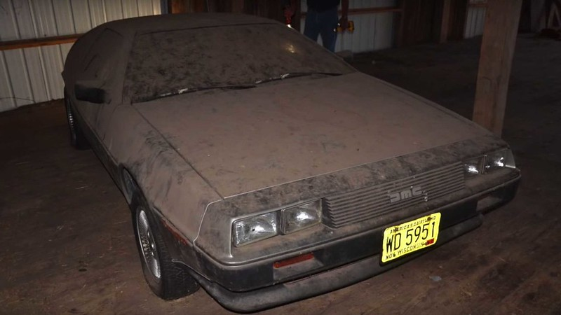 this-delorean-barn-find-finally-sees-the-lights-after-32-years (2)