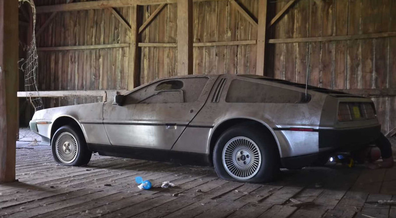 this-delorean-barn-find-finally-sees-the-lights-after-32-years (3)