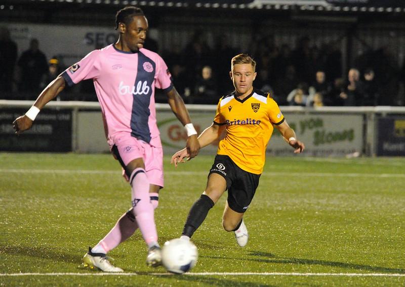 Maidstone United v Dulwich Hamlet 402