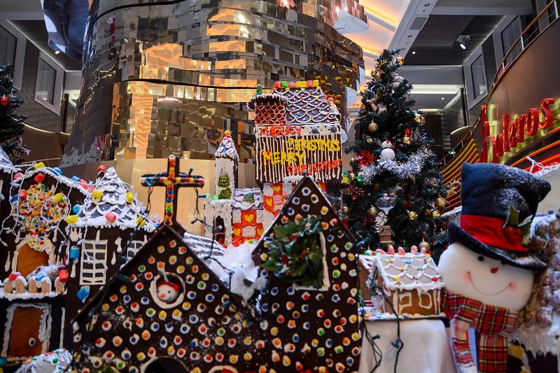 Promenade Gingerbread Display