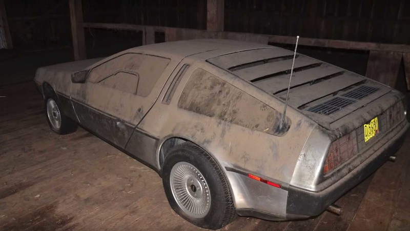 this-delorean-barn-find-finally-sees-the-lights-after-32-years (6)
