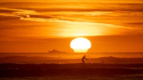 sunset islavista coaloilpoint surf surfing ucsb sandsbeach ocean seashore beach santabarbarachannel goleta santabarbara boat ship