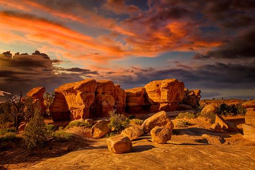 sunset devilsgarden grandstaircaseexcalantenationalmonument sandstone erosion geology