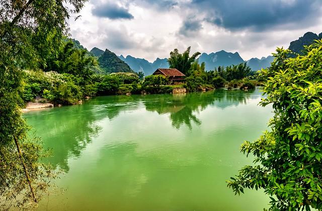 Quay Son River