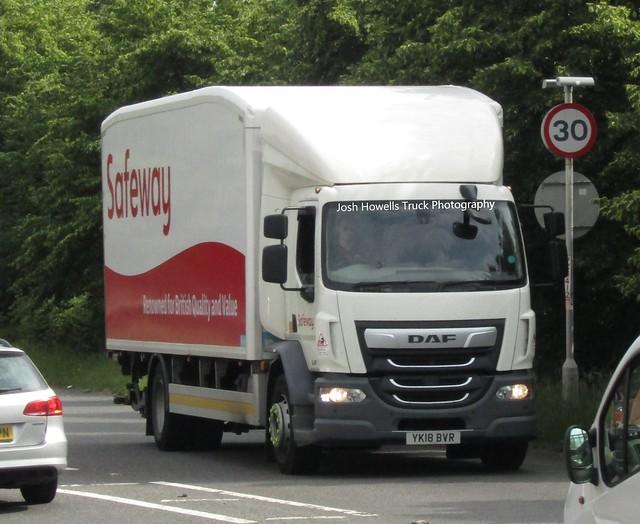 Safeway YK18 BVR At Welshpool