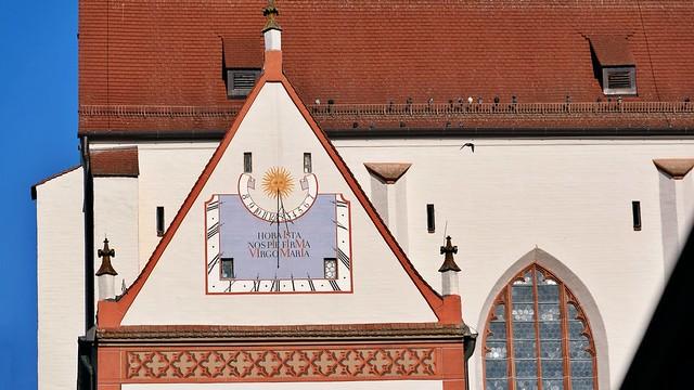 Sonnenuhr an Kirche Mariä Himmelfahrt