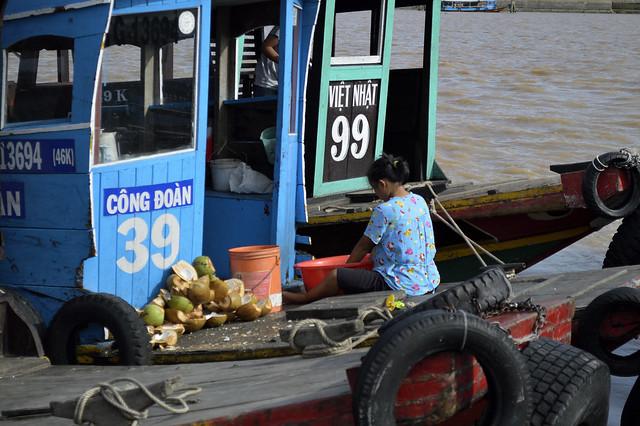 Preparando los cocos, Camboya