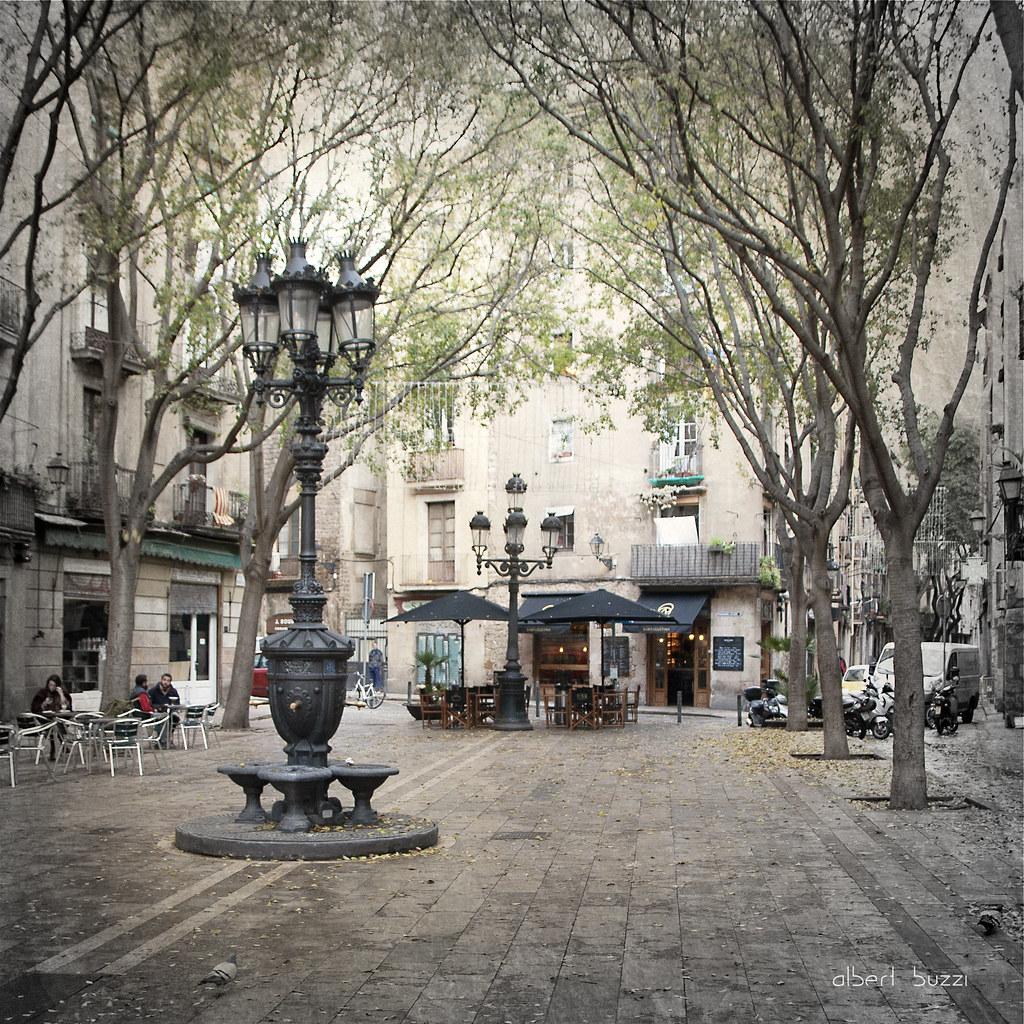 bBcn055:  Barcelona - Ciutat Vella - Sant Pere, Santa Caterina i La Ribera