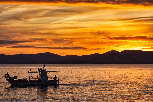 Fisher boat in action - Saint-Raphael - Provence - Var 3D0A8963
