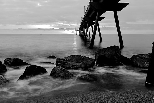sea water mar mare wave sand beach shore seashore coast pier bridge puente pont boat construction decor decoration badalona sky cielo cloud skyline skyscape shadow shadows light lights reflection rocks seascape morning mañana sunrise salidadelsol amanecer mono monochrome blackandwhite absoluteblackandwhite longexposure outside outdoor