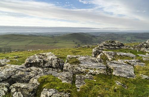 landscape derbyshire peakdistrict whitepeak hartington wolfscotehill limestonepavement narrowdalehill grattonhill wettonhill