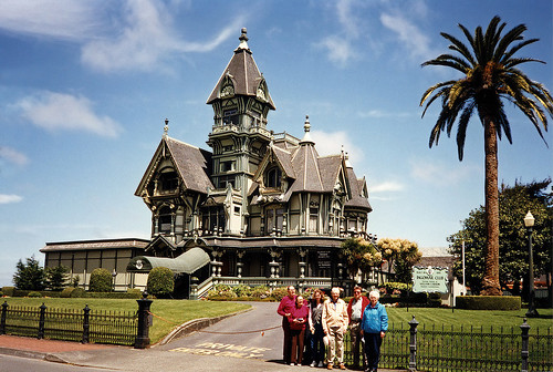 photo eureka california victorian house mansion carsonmansion tower turret fence family hubby palm widowswalk queenanne tree