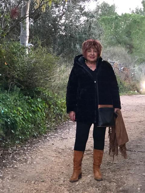 פרידה פירו Frida piro הציירת האמנית הישראלית העכשווית המודרנית הריאליסטית ציירות אמניות ישראליות מודרניות עכשוויות